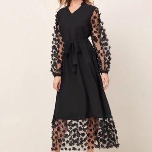 Contrast Appliques Mesh Belted Dress